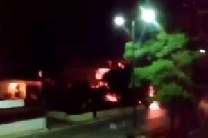 Βίντεο - σοκ: Οι πρώτες στιγμές μετά την έκρηξη στο βενζινάδικο στην Ανάβυσσο!