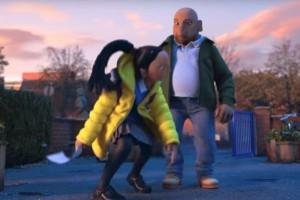 H χριστουγεννιάτικη διαφήμιση του BBC δείχνει πού μπορεί να φτάσει ένας μπαμπάς για την κόρη του!