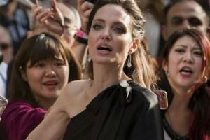 Σοβαρά άρρωστη η Angelina Jolie; Τι λένε τα ξένα μέσα για την κατάστασή της;