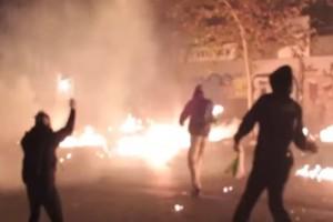 """Βίντεο: """"Πανηγυρίζουν"""" για τα επεισόδια στην """"μαύρη"""" επέτειο του Αλέξη Γρηγορόπουλου οι αντιεξουσιαστές!"""