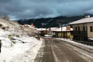 Λευκή πανδαισία! Τα πρώτα χιόνια στον νομό Ιωαννίνων! Στα λευκά Μέτσοβο, Ζαγόρι και Κόνιτσα! (photos)