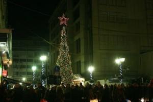 Σήμερα η φωταγώγηση του χριστουγεννιάτικου δέντρου στον Πειραιά!