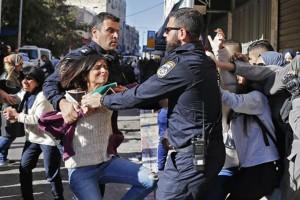 Βίαιες συγκρούσεις στη Βηρυτό: Τραυματίστηκε φωτογράφος του AFP!