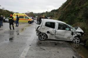 """Νεό φρικτό """"οικογενειακό"""" τροχαίο συγκλονίζει την χώρα: Νεκρός ο οδηγός, χαροπαλεύει 11χρονος! (photo)"""