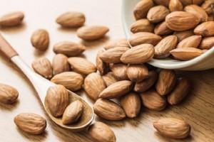 Αμύγδαλα: 5 λόγοι που θα σε πείσουν να τα εντάξεις στην διατροφή σου!