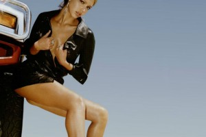 Έτσι θα αποκτήσεις τα τέλεια  πόδια της Jessia Alba! (βίντεο)