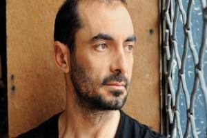 Αγνώριστος ο Αλέκος Συσσοβίτης! - Δείτε το νέο look του ηθοποιού! (Photo)