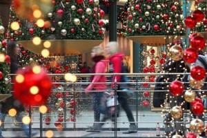 Ανοιχτά έως της 21:00 σήμερα τα καταστήματα! Πως θα λειτουργήσουν έως την παραμονή της πρωτοχρονιάς;