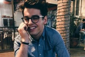 8 απρόβλεπτες ερωτήσεις που θα κάνουν το σύντροφό σου να χαμογελάσει!
