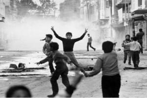 """Σαν σήμερα 9 Δεκεμβρίου 1987 ξέσπασε η πρώτη ιντιφάντα, η """"εξέγερση των πετρών"""""""