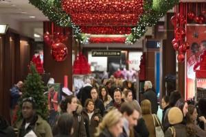 Πότε ξεκινά το εορταστικό ωράριο των καταστημάτων - Ποιες Κυριακές θα ανοίξουν τα μαγαζιά