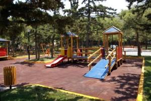 Γονείς δώστε βάση: 5 λόγοι για να πηγαίνετε με τα παιδιά σας στην παιδική χαρά!