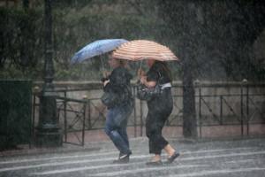 Ραγδαία επιδείνωση του καιρού με έντονες καταιγίδες!