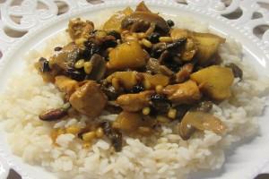 Η συνταγή της ημέρας: Φτιάξτε ένα νόστιμο κοτόπουλο με μανιτάρια, μήλα και κάρι!