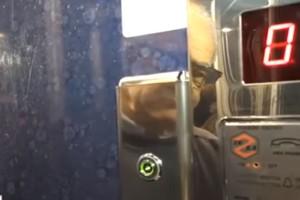 Χαμός σε πολυκατοικία στην Λάρισα: Κλειδώνουν σε ασανσέρ όσους δεν πληρώνουν κοινόχρηστα! (video)