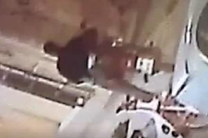 Ένα βίντεο που κάνει τον γύρο του διαδικτύου: Δείτε πώς κλέβουν μηχανάκια στο Περιστέρι!