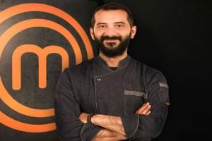 "Master Chef: Ποιος είναι ο ""νάνος"" γίγαντας της μαγειρικής Λεωνίδας Κουτσόπουλος!"