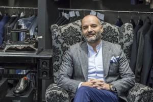 Γιώργος Παπαδόγαµβρος: Ο ιδικός του αντρικού ντυσίματος!