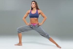 Η Ελένη Πετρουλάκη μας δείχνει τις καλύτερες ασκήσεις για την χαλάρωση στα μπράτσα
