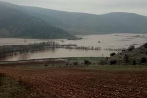 Οι πλημμύρες μετέτρεψαν σε «θάλασσα» τον κάμπο της Φαρκαδόνας στα Τρίκαλα!