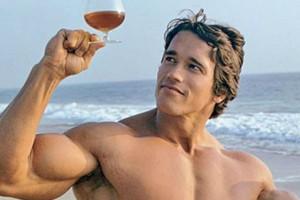 Κι όμως το αλκοόλ σε συνδυασμό με ήπια άσκηση παρατείνει τη ζωή!