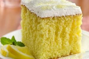 Ένα εύκολο και δροσερό γλυκό: Λαχταριστό κέικ λεμόνι!