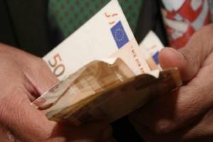 Σας αφορά: 6 βήματα για να πάρετε πίσω τα χρήματα από τις περικοπές στις συντάξεις! - Τι πρέπει να κάνετε