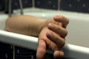 Νέα αυτοκτονία σοκάρει το Πανελλήνιο: Έκοψε το λαιμό του μέσα στην μπανιέρα του σπιτιού του!