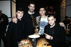 Έτσι γιόρτασαν την κατάκτηση του Κυπέλλου οι παίκτες της ΑΕΚ στην Κρήτη! (photos)