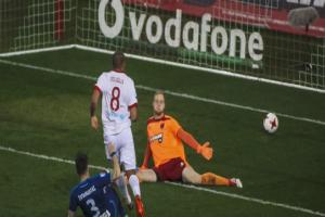 Super League: Ολυμπιακός-Πανιώνιος 1-0! - Έδωσε τέλος στο αρνητικό σερί και βλέπει Τούμπα