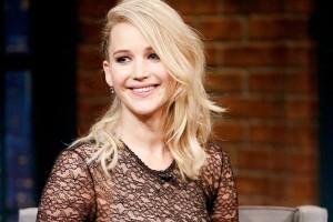 Θα μείνεις με το στόμα ανοιχτό! Δες τη Jennifer Lawrence  να αποθεώνει το gothic-chic και αντέγραψε και εσύ την ιδέα!
