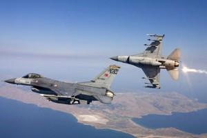 Τουρκικά μαχητικά πέρασαν πέντε φορές πάνω από ελληνικά νησιά!
