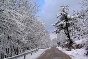 Σε ισχύ το έκτακτο δελτίο καιρού: Δείτε πού έχει χιονίσει