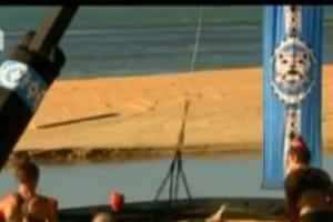 Survivor 2: Ξεφτίλα! Απίστευτη συμπεριφορά της Δαλάκα και της Σαμαρίνου στην Σπυροπούλου! Την παράτησαν...(Βίντεο)