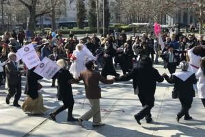 Λάρισα: Στους δρόμους της πόλης οι κάτοικοι! - Γιόρτασαν τα «μπουλούκια»! (Photo)