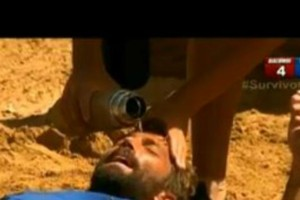 Survivor 2: Ο Μουρούτσος κλώτσησε με δύναμη τον Θεοδωρόπουλο στο πρόσωπο! Προσπαθούσαν να τον συνεφέρουν οι συμπαίκτες του! (Βίντεο)