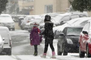 Καιρός: Βροχές και καταιγίδες σήμερα και από αύριο... χιονιάς!