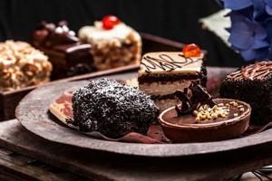 Τα 10 καλύτερα ζαχαροπλαστεία του κέντρου για να... γλυκαθείτε!