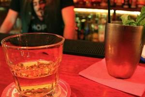 Πίνουμε ποτά στην Αθήνα με 6 ευρώ!