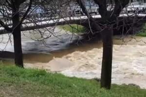 Υπερχείλισε ο ποταμός Ληθαίος στα Τρίκαλα!