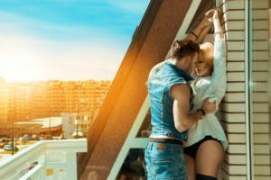 Έρωτας στο μπαλκόνι: Πώς και πότε να το κάνεις!