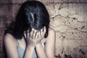 Φρίκη:Συμμορία αντρών βίασαν γυναίκα με σιδερένια ράβδο