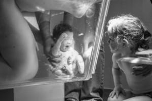 Συγκλονιστικές φωτογραφίες δείχνουν τη μαγεία του τοκετού!