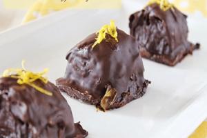 Μία λαχταριστή συνταγή: Υπέροχα μπακλαβαδάκια με επικάλυψη σοκολάτας!