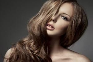 Κορίτσια δώστε βάση: Πώς να χρησιμοποιήσετε σωστά το ψαλίδι μαλλιών! (Video)