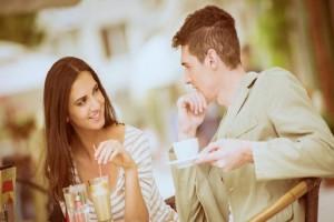 Ζώδια και έρωτας: Η καλύτερη ατάκα για φλερτ με μία δόση χιούμορ!