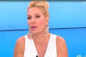 Κι όμως το έκανε! Η απίστευτη παρατήρηση της Μενεγάκη σε συνεργάτη της on air: «Ξύπνα τον!» (Video)