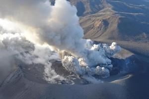 Η φωτογραφία της ημέρας: Αεροφωτογραφία από έκρηξη του ηφαιστείου Shinmoedake στην Ιαπωνία!
