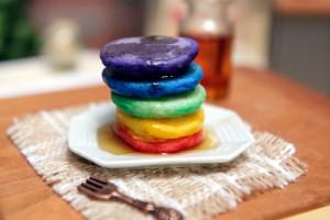 Φτιάξε υπέροχα και πολύχρωμα μίνι Pancakes! (video)
