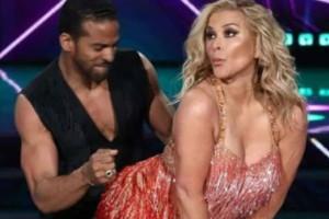 Πασίγνωστη τραγουδίστρια τα έδειξε όλα στο Dancing With The Stars!